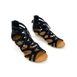 nib | Minnetonka Black Gladiator Merida III Sandal
